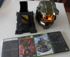 Xbox360 halo 3 legend edition helmet and 4 games with manuals.