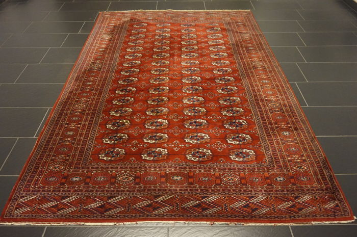 Hand-knotted Persian carpet Jomut Bukhara 270x200cm