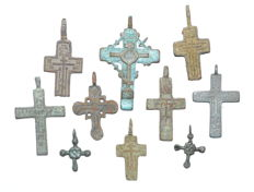 Very Fine Selection of 10 Medieval / Post Medieval Cross pendants - 22-50 mm (10)