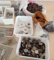 Netherlands and World – Batch of various coins in albums, sets and separate