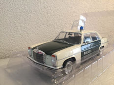 Modelcar Group - Scale 1/18 - Mercedes-Benz 220/8 (W115) Polizei