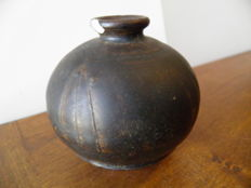 Ceramic ball vase from the Tran Vietnam Dynasty height 80 mm