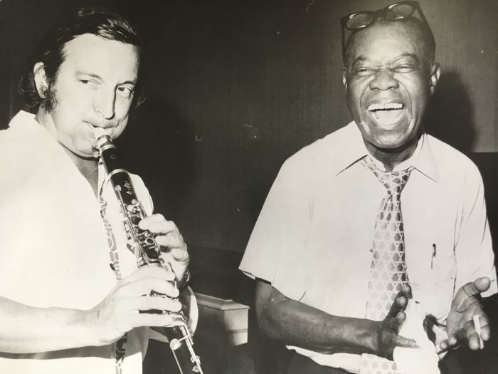 Unknown/AFP photo - Louis Armstrong & Maxim Saury - Los Angeles - 1970's
