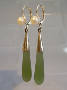 Earrings with long jade/nephrite drops and small white pearls
