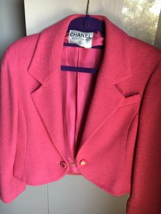 Chanel jacket - 1990s - Wool with silk lining, edged with gold chain.