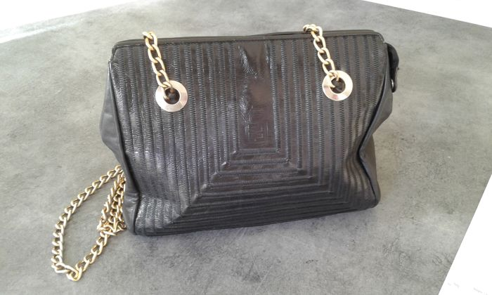 d6092173d202 Fendi - Vintage handbag -  No Minimum Price . - Catawiki