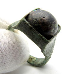 Medieval Bronze ring with stone in bezel - 19 mm / 6.2 grams