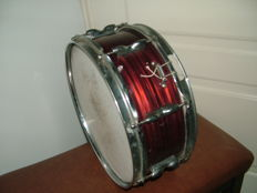 Snare drum from the 50s/60s/70s - brand on the net - New Era made in England - exact origin unknown