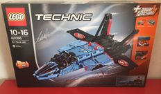 Lego Technic - 42066 - Air Race Set - Exclusive - Signed by Markus Kossmann (Lego Technic Designer)