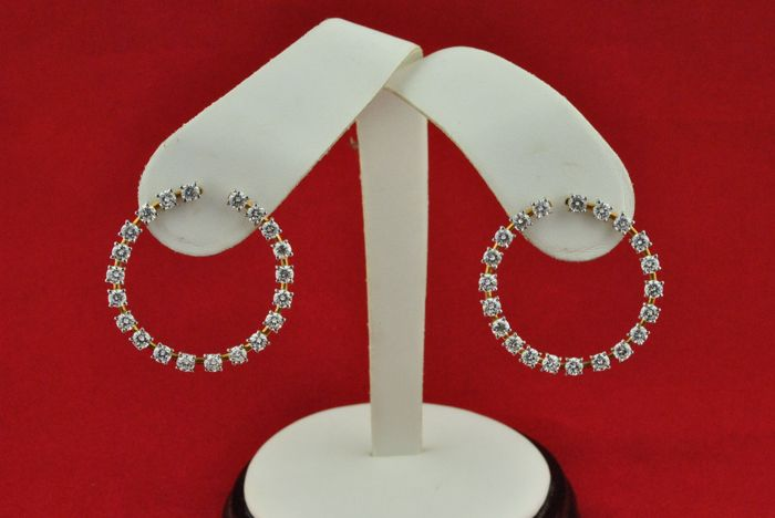 Superb Diamond (tot.+/-5.00CT FGH/VVS-VS) Hoop Earrings set on 18k Bi-color Gold - (Size 33mm in diameter)