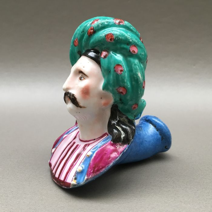Figural porcelain pipe, Arab with large turban - France, ca. 1840