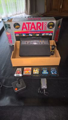Atari 2600 complete boxed incl 5 games