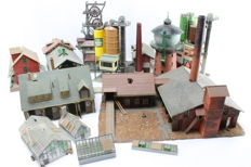 Kibri/Vollmer/Pola H0 - 14 piece set with industrial buildings