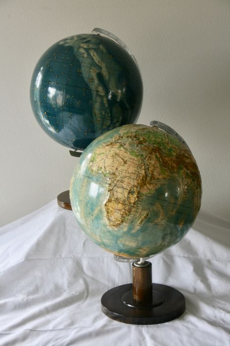 Columbus, very rare globe-pair; Sky globe and relief-earth globe
