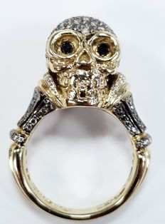 Skull Grey Diamond Ring in 18 carat Yellow Gold