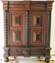 Oak Rhenish cabinet - Germany - 18th century