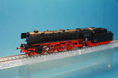 Märklin H0 - 3390 - Steam locomotive with tender BR 011 of the DB