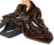 Coffee-brown swinger mink fur coat, mink, German furrier