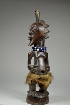 Power Figure NKISI - SONGYE - Democratic Republic of Congo