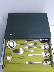 Cutlery case 12 persons - Frionnet Francois stamped - model Rocaille Regence - Paris - 20 century