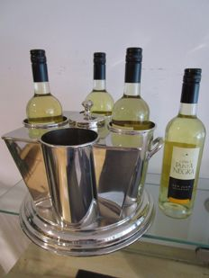 Table wine cooler for  four  bottles,with a middle pocket for cold water or ice cubes. or cold water.