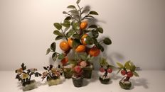 Lot of 6 Chinese bonsai trees with flowers, clementines and peaches in hard stone – China – second half of the 20th century.