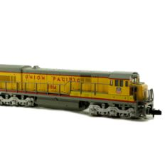Kato N - 176-17B - Diesel locomotive GE U30C Union Pacific of the USA