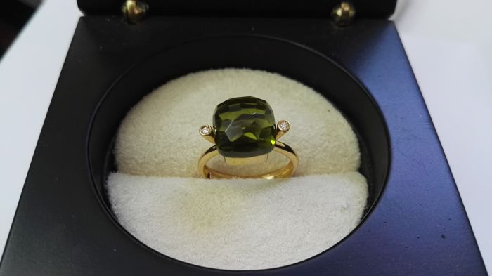 18 kt yellow gold ring with diamonds and peridots - Size: 14 - No reserve