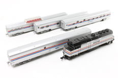 Life-Like/Con-Cor N - Diesel locomotive NF40 with 4 carriages of the Amtrak USA