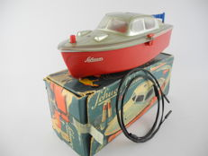 Schuco, Germany - length 21 cm - plastic 5511 battery powered bathtub yacht, 1950s [297]
