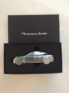 Porsche Panamera Turbo - Paperweight - Very rare - Scale 1:43