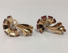 18 K pink gold Art Deco earrings with rubies and diamonds, Europe  ca. 1900-1940