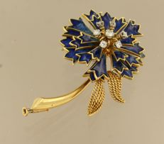 18 kt gold flower brooch with blue enamel and brilliant cut diamonds, approx. 0.33 ct