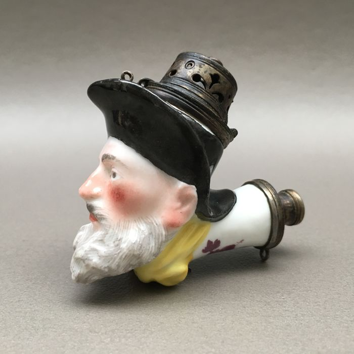 Figural porcelain pipe, Bearded man with hat - Germany, ca. 1800