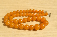 Antique Baltic Amber necklace old honey butterscotch egg yolk colour, vintage, 49 gram