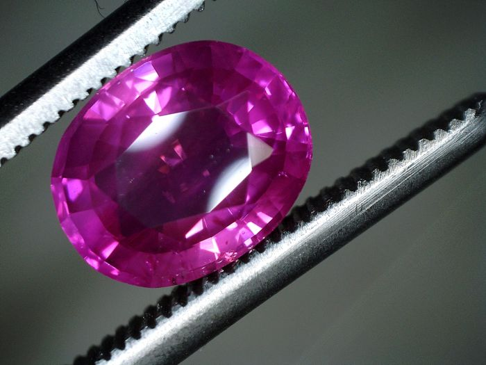 Pink Sapphire - 1.58 ct - No reserve Price