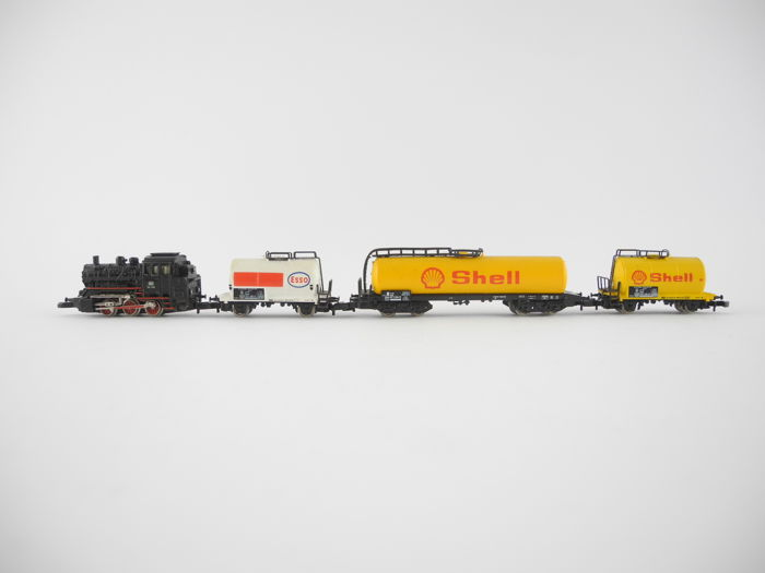 Märklin Z - 8800/8611/8625 - 4-piece tanker freight train with steam locomotive BR 89 of the DB [247]