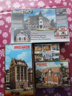 Revell/Vollmer/Kibri H0 - 2019/3772/5736/9560 - customs,town hall, mansion, signal box, platform & suitcase trolleys.