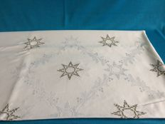 White damask hand-embroidered Christmas tablecloth. 160 x 140 cm.