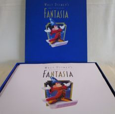 Disney, Walt - 2 VHS tapes + 2 CDs  + lithograph + 2 books + Deluxe storage case - Deluxe Commemorative Edition - Fantasia (1991)