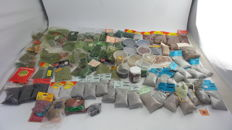Noch/Berka/Heki/Faller/Busch H0 - 100 piece scenery pack with grass, litter, stone, moss, cork and more.