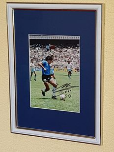 Diego Maradona  - Original hand signed framed photo + COA