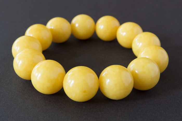 Baltic Amber bracelet egg yolk colour, 41.37 gr.