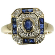 Octagonal gold ring set with sapphires and 8 imitation diamonds. Certificate!