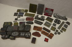 60 embossing stamps for vignette - clichés of Renault, Vauxhall/GM, Michelin, VW, Match, Ifacta, Shell, etc. ..