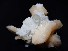 Shiny Apophyllite crystal with Orange Stilbite - 9 x 8.5 cm - 157 gm