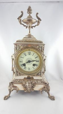 Splendid English Mantel Clock/'Pendule' from the late 1800s in laminated silver