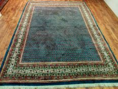 Wonderful & Beautiful Iran Persia Sarough Mir in Royal blue. Hand knotted 320 x 222 cm Top Quality & Condition with certificate