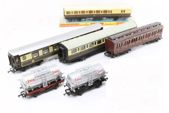 Hornby/Mainline/Dapol/Grafar 00 - 7 Goods wagons and carriages