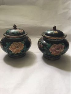 Good quality Oriental cloisonné lidded baluster pairs - China - ca 1920
